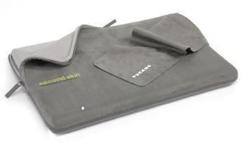 Tucano Second Skin MicroFiber Script mikrovláknové pouzdro pro MacBook Pro 17 šedé